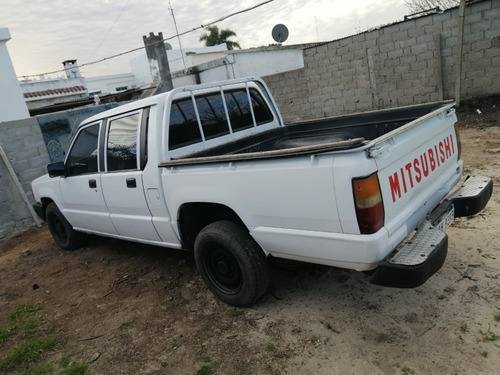 mitsubishi l200 2.5 d/cab 4x2 2001