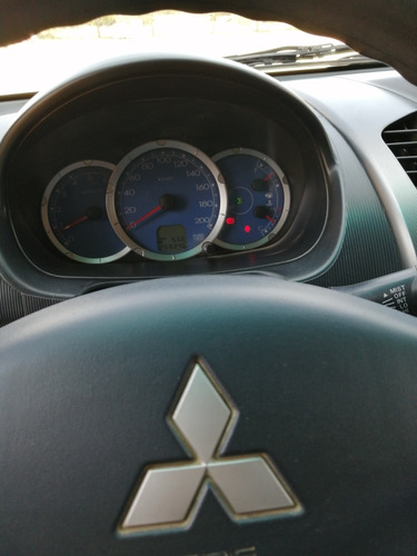mitsubishi l200, auto