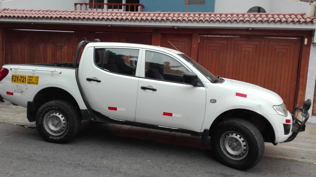 8d969a90c Mitsubishi L200 Camioneta - S/ 44.000 en Mercado Libre