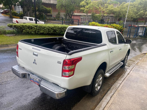 mitsubishi l200 sportero mitsubishi diesel l2