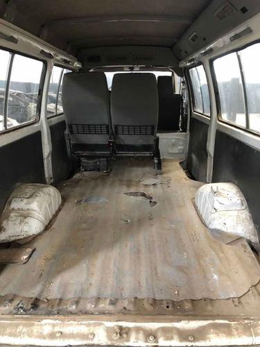 mitsubishi l300 2.5 diesel en marcha chocada al día