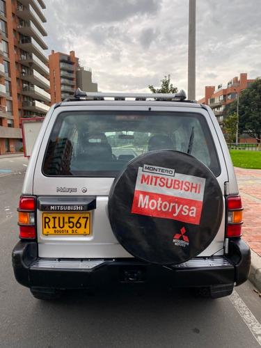 mitsubishi montero hard top 2.4 4x4
