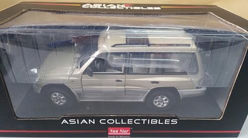 mitsubishi montero modelo 1998, escala 1:18, 29cms de largo.