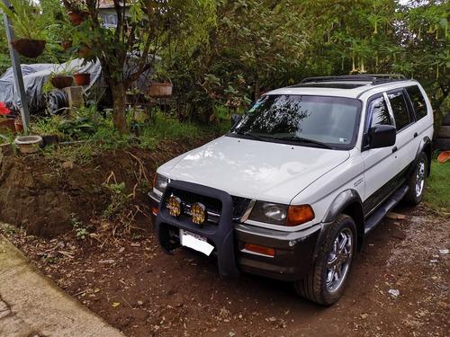 mitsubishi montero  sport 1998  américana