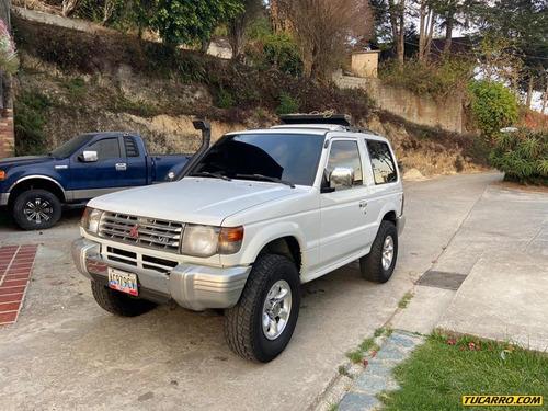 mitsubishi montero sport wagon 4x4