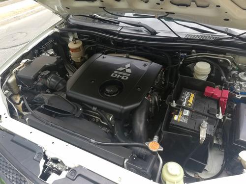 mitsubishi nativa - diesel 2012