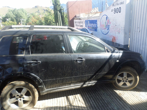 mitsubishi outlander 2.4 limited aa ee qc piel at por partes
