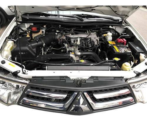 mitsubishi pajero 3.5 hpe 4x4 7 lugares v6 24v flex 4p