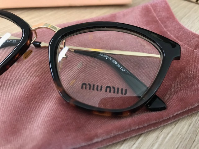 a96f5c945818f miu miu armação óculos · armação para óculos de grau miu miu preta - havana  gatinho