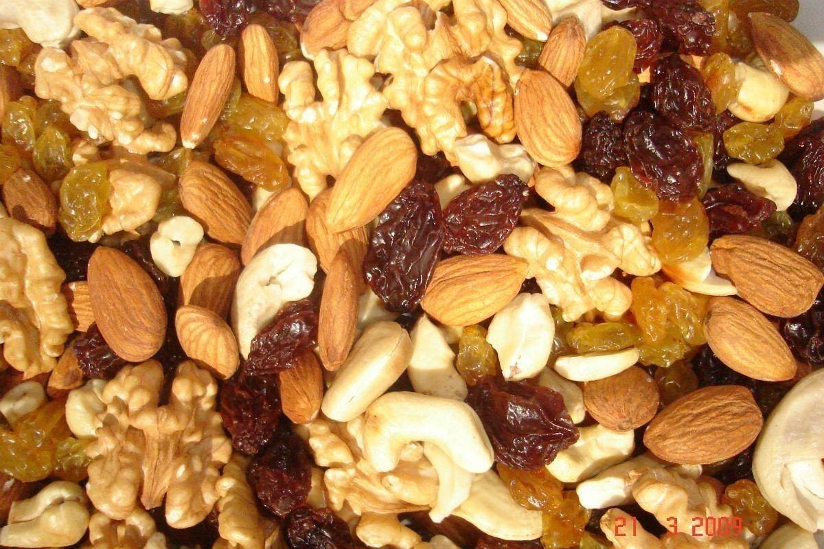 mix frutos secos avellanas almendras caju nueces y pasas