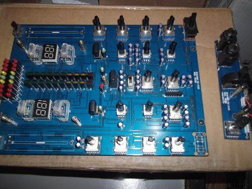 mixer behringer vmx200   vendo peças  de reposição consulte