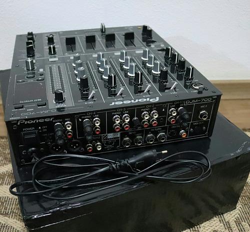 mixer pioneer djm 700 .