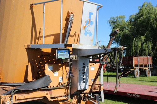 mixer vertical comofra sf 14 v con balanza magris
