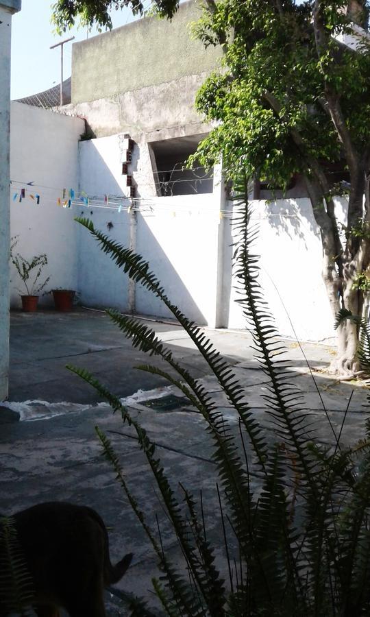 m/linda casa 4 amb c/ cochera cubierta c/porton automatico. patio y lavadero - escucha ofertas!