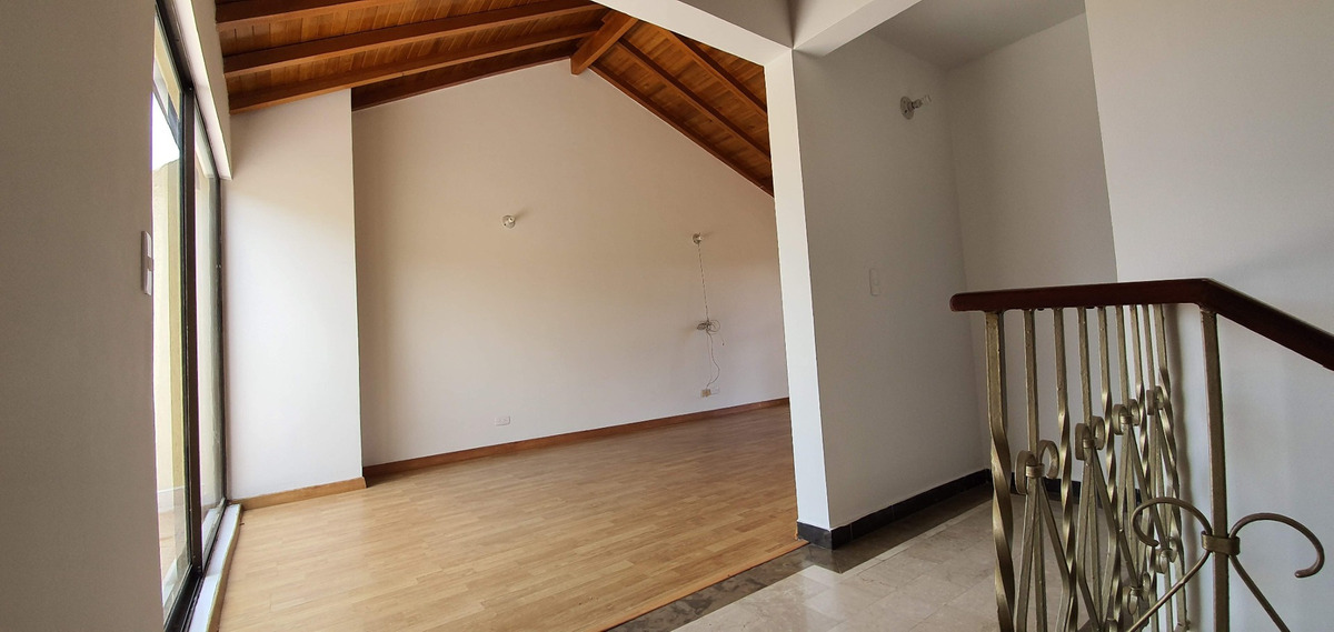 mls19-1288 venta de hermosa casa en gratamira (vs)