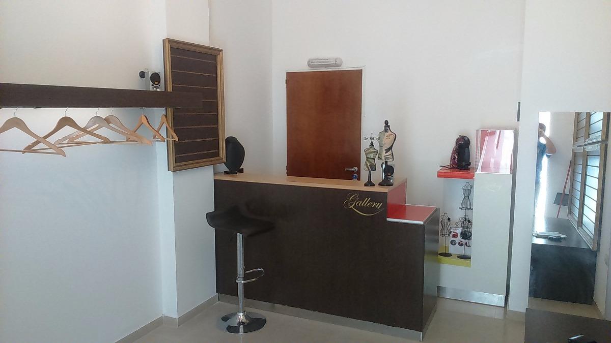 Mobiliario Para Local Comercial - Excelente Calidad - $ 30.000,00 en ...