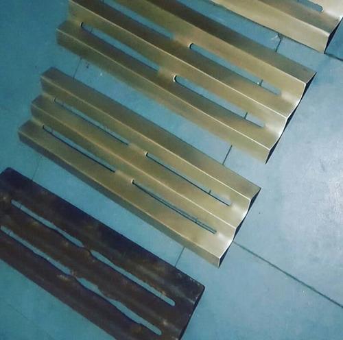 mobiliario - parrillera - stand - letras en acero inoxidable