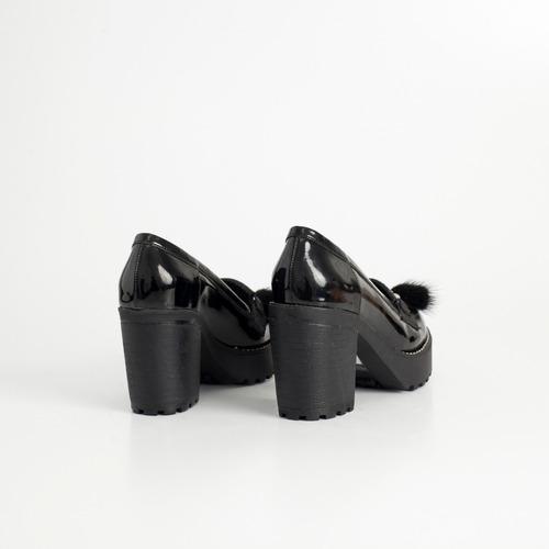 mocasin de charol. art clem negro. otro calzado
