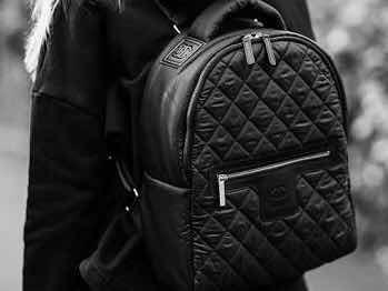 db693f68f Mochila Chanel Cocoon Preta Com Certificado Original - R$ 1.726,56 em  Mercado Livre