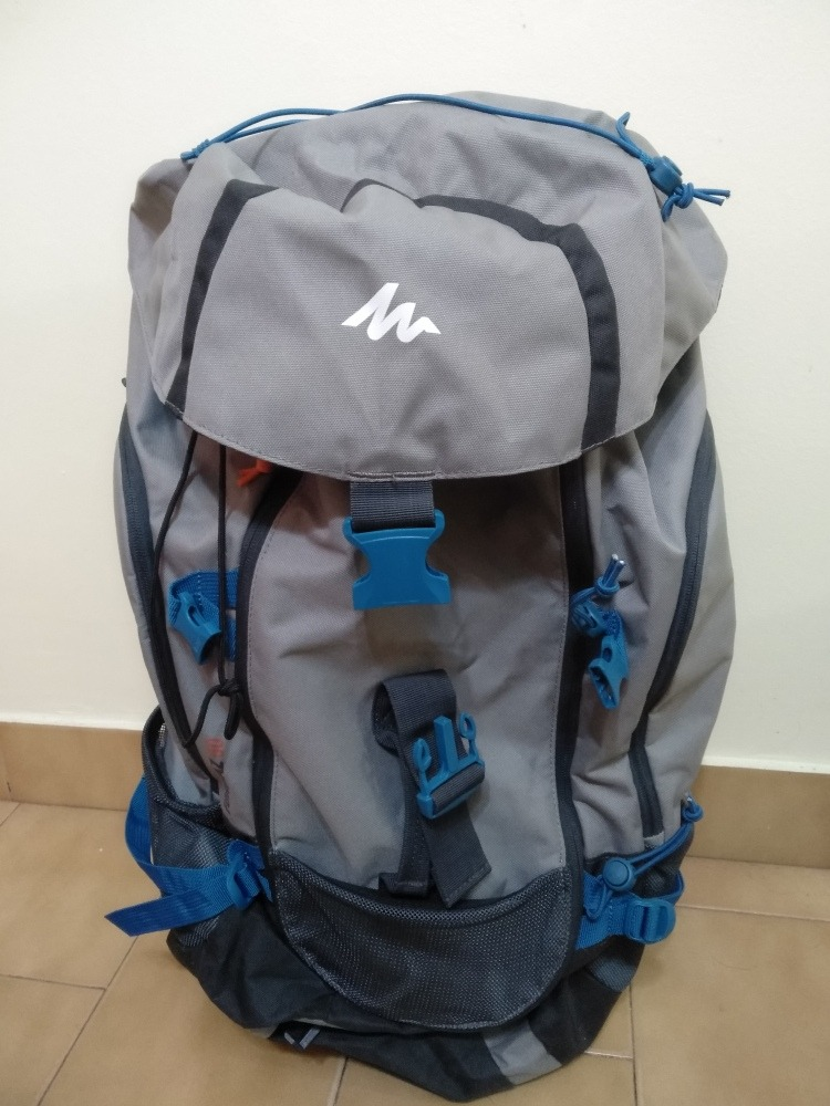 4c1d176f1 mochila de 50 litros para montaña marca quechua importada. Cargando zoom.