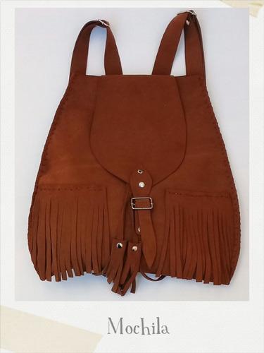 mochila de cuero natural. color negra y marron