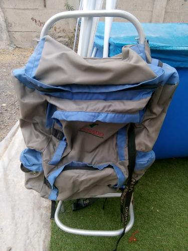 mochila de viaje y camping