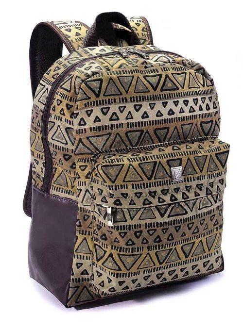 b5e1f9967 Mochila Feminina Tribal - Viclub - R$ 187,35 em Mercado Livre