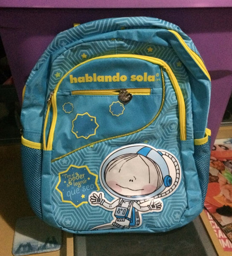 mochila hablando sola. backpack primaria