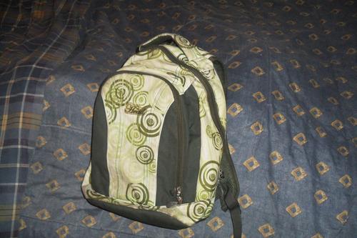 mochila head con muy poco uso