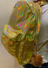 f522c6654 Mochila Holografica Anna Layza - Calçados, Roupas e Bolsas Dourado no  Mercado Livre Brasil
