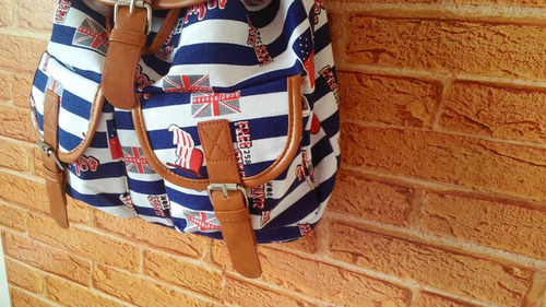 mochila listrada azul com branca