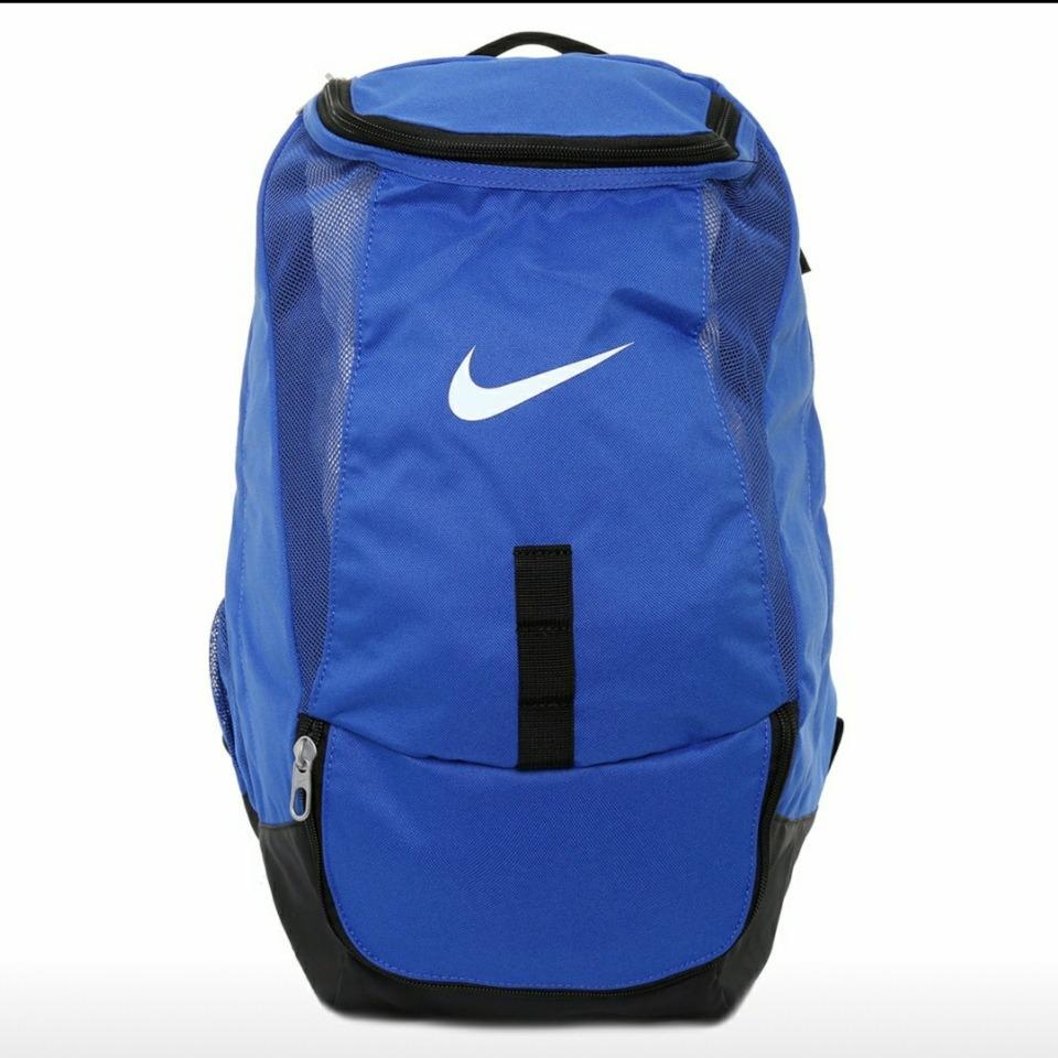 Mochila Nike Club Team Backpack -   749.00 en Mercado Libre cad95dc654d5d