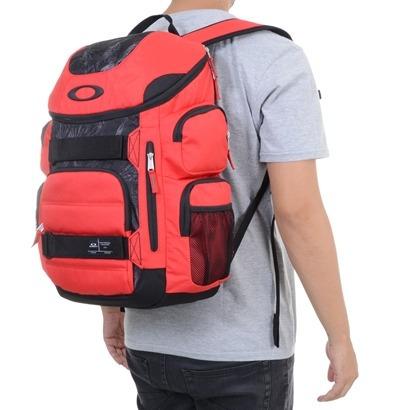 9f23f358044f51  Mochila Oakley Enduro Vermelha 30 Litros - R 349,00 em  Mercado Livre 151cf4c6a8ba42 ... 82967a91ae