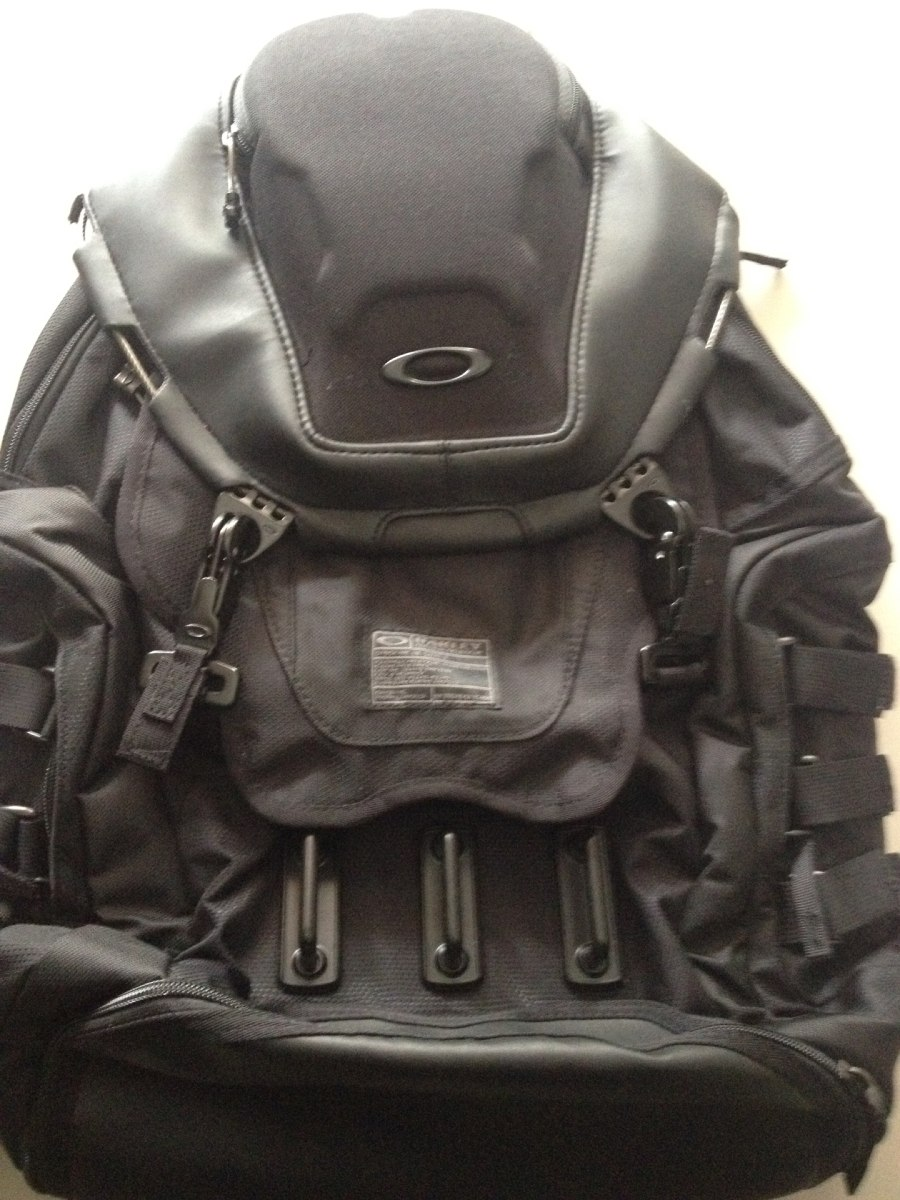 f761bb37a23fc mochila oakley kitchen sink blackout original. Carregando zoom.