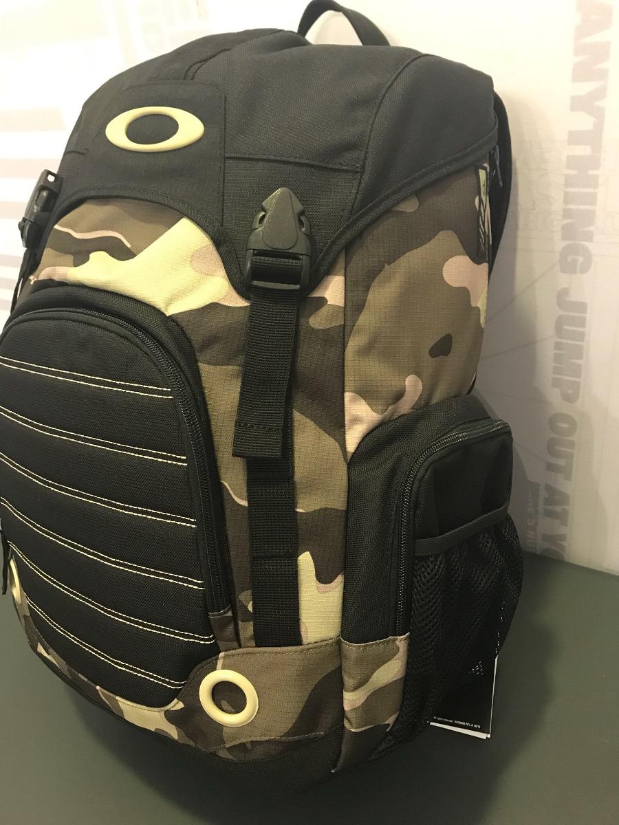 Mochila Oakley Overdrive Pack Camuflada. - R  300,00 em Mercado Livre ce4cea1f0b