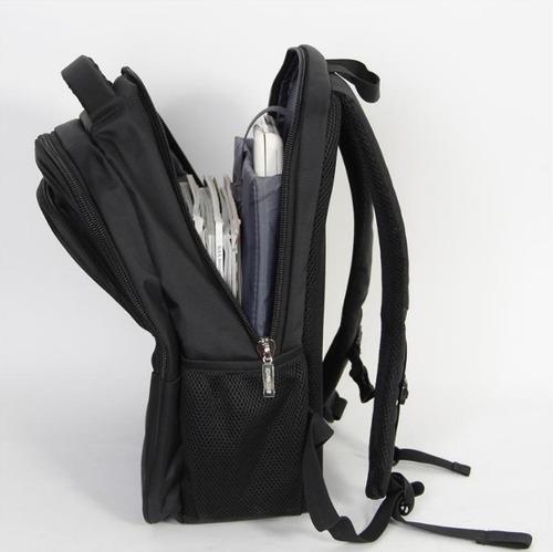mochila para notebook 15,6 zom impermeable zb 300b