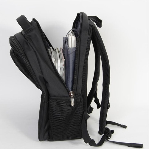 mochila para notebook hasta 15,6 zom impermeable zb 300