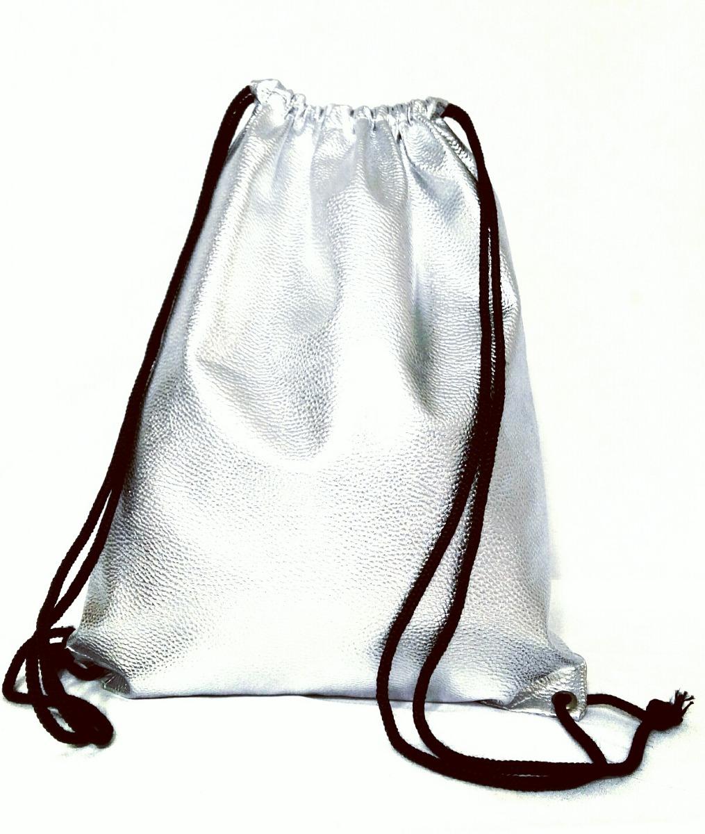 b30ae8591 Mochila Plateada Bolsa D Moda En Eco Cuero - $ 350,00 en Mercado Libre