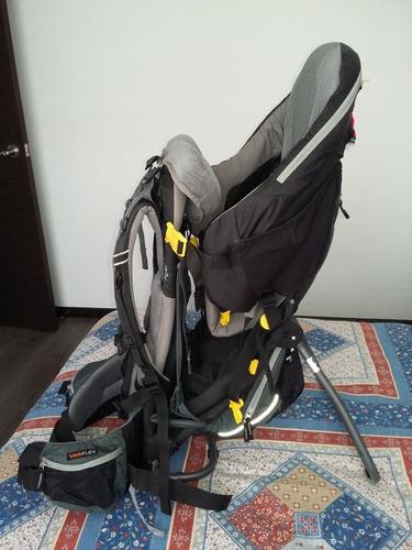 mochila porta bebé deuter