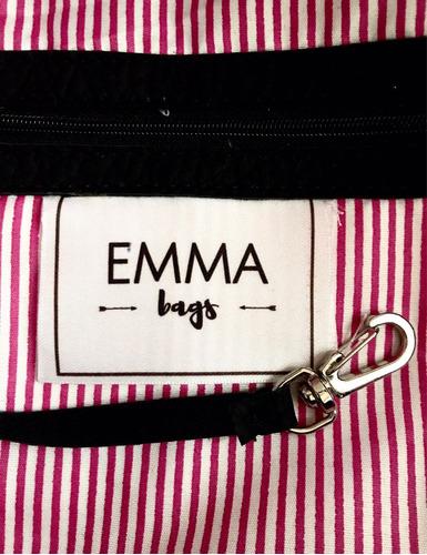 mochila simil cuero pu negra con apliques  emma bags