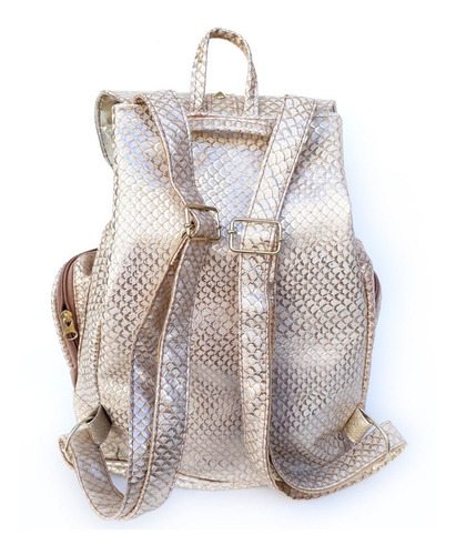 mochila star gold con tachas scissors queens