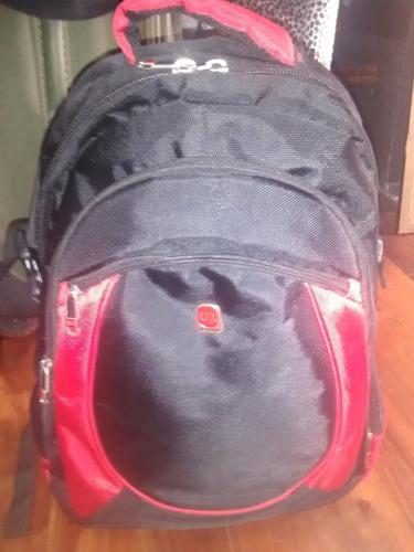 mochila uniform 45x25x20 - excelente