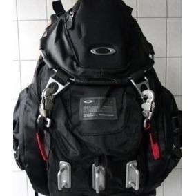 26be62c721890 Mochila Oakley 50 Litros - Mochilas para Notebooks Oakley Masculinas ...