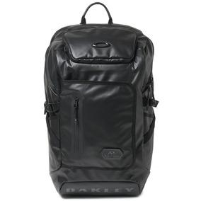 4a78ab23b123a Mochila Oakley Training Backpack 24l Blackout