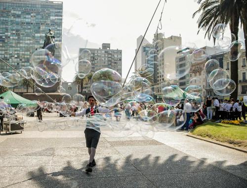 mochilo. show para cumpleaños. burbujas gigantes,magia