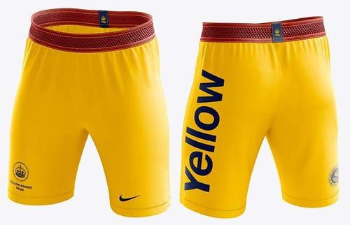 mockup yellow images calção de futebol masculino