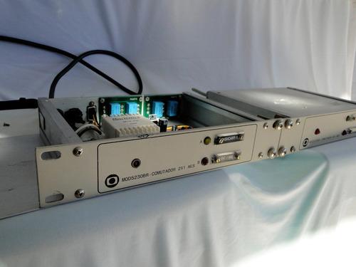 mod5830br - comutador 2x1 aes para microfone - ligando - par
