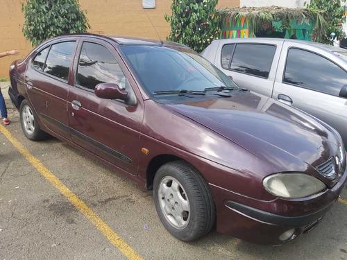 modelo 2000