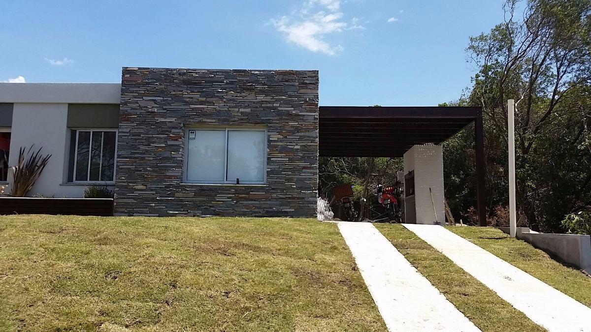 moderna casa 3 dormitorios - 200 mts del mar