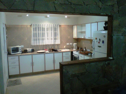 moderna casa 4 ambientes en barrio privado! con piscina